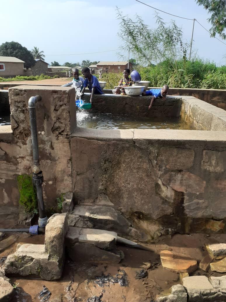 Projet en Afrique avec Clémence Lloret et le Père Rodrigue